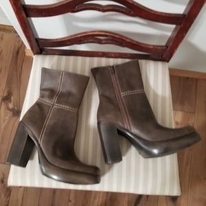 90s Steve Madden Axiss Mid-Calf Brown Leather Boot
